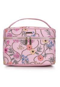 Wittchen - Damska kosmetyczka kuferek duża. Kolor: różowy. Materiał: skóra ekologiczna. Wzór: aplikacja