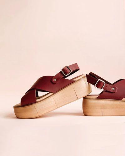 Letnie modne sandały damskie na obcasie i nie tylko.