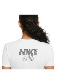 Koszulka damska Nike Air CZ8632. Materiał: bawełna, tkanina, materiał, poliester. Długość rękawa: krótki rękaw. Długość: krótkie