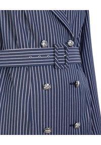CATERINA - Granatowa sukienka marynarkowa w prążki. Kolor: niebieski. Materiał: wiskoza, materiał. Długość rękawa: długi rękaw. Długość: długie. Wzór: prążki. Styl: elegancki, klasyczny