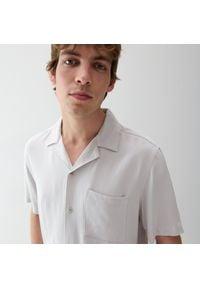 Reserved - Wiskozowa koszula comfort fit - Jasny szary. Kolor: szary. Materiał: wiskoza