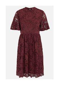 Happy Holly Koronkowa sukienka Li burgundowy female czerwony 36. Kolor: czerwony. Materiał: koronka. Wzór: koronka