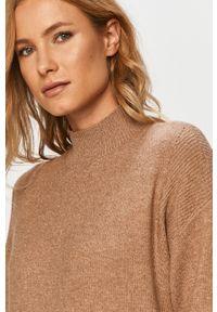 Brązowy sweter only z długim rękawem, casualowy