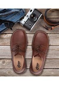 ESCOTT - Półbuty męskie Escott 835 Brązowe. Zapięcie: sznurówki. Kolor: brązowy. Materiał: tworzywo sztuczne, skóra. Obcas: na obcasie. Styl: elegancki. Wysokość obcasa: średni