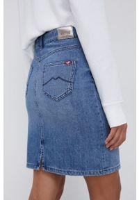 Mustang - Spódnica jeansowa. Okazja: na co dzień. Kolor: niebieski. Materiał: jeans. Styl: casual
