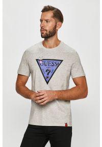 Szary t-shirt Guess Jeans z nadrukiem