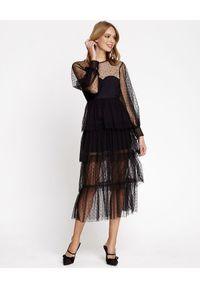 Czarna sukienka z aplikacjami, midi, klasyczna, kopertowa