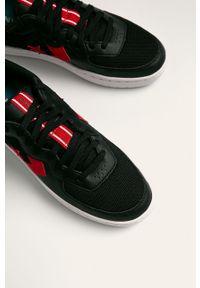 Czarne sneakersy Converse z okrągłym noskiem, na sznurówki, z cholewką