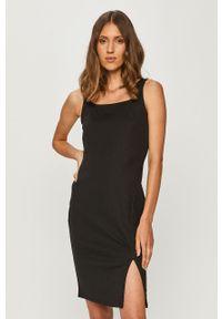 Czarna sukienka Vero Moda na co dzień, z dekoltem karo, mini, na ramiączkach