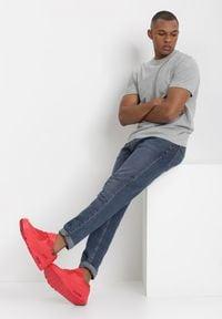 Born2be - Czerwone Buty Sportowe Comfort Zone. Kolor: czerwony