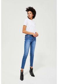 MOODO - Jeansy medium waist. Długość: długie. Wzór: gładki