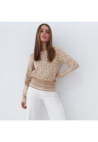 Mohito - Dzianinowy sweter ze wzorem - Beżowy. Kolor: beżowy. Materiał: dzianina