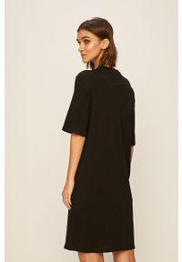 Czarna sukienka Armani Exchange oversize, mini, na co dzień, z nadrukiem