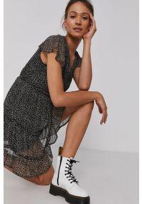 Vero Moda - Sukienka. Kolor: czarny. Materiał: tkanina, poliester. Długość rękawa: krótki rękaw. Typ sukienki: rozkloszowane