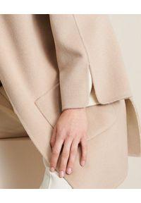 Luisa Spagnoli - LUISA SPAGNOLI - Beżowy płaszcz Viareggio. Okazja: na co dzień. Kolor: beżowy. Materiał: tkanina, wełna, materiał. Długość: długie. Styl: casual