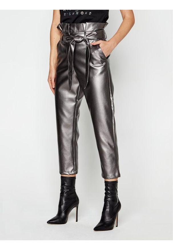 Srebrne spodnie Silvian Heach