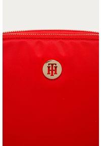 Czerwona listonoszka TOMMY HILFIGER mała, gładkie, na ramię