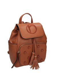 Nobo - Plecak damski brązowy NOBO NBAG-J3320-C017. Kolor: brązowy. Materiał: skóra ekologiczna. Styl: klasyczny