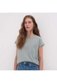 Turkusowy t-shirt Sinsay