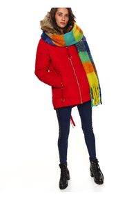 TOP SECRET - Krótka kurtka damska z futrem przy kapturze. Typ kołnierza: kaptur. Kolor: czerwony. Materiał: futro. Długość: krótkie. Wzór: aplikacja. Sezon: zima #7