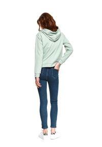 TOP SECRET - Spodnie jeansowe skinny. Okazja: na co dzień. Kolor: niebieski. Materiał: jeans. Sezon: wiosna. Styl: casual, klasyczny