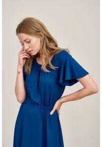 Marie Zélie - Sukienka Pola atramentowa mikromodal. Kolor: niebieski. Materiał: wiskoza, dzianina, elastan, włókno, skóra. Długość rękawa: krótki rękaw. Długość: midi