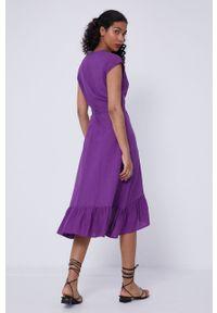 medicine - Medicine - Sukienka Staycation. Kolor: fioletowy. Materiał: tkanina. Wzór: gładki. Typ sukienki: rozkloszowane