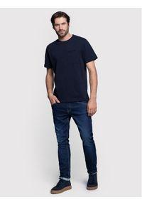 Vistula T-Shirt Reese XA0982 Granatowy Regular Fit. Kolor: niebieski