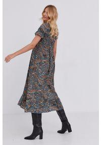 Answear Lab - Sukienka. Kolor: turkusowy. Materiał: tkanina. Długość rękawa: krótki rękaw. Typ sukienki: rozkloszowane. Styl: wakacyjny
