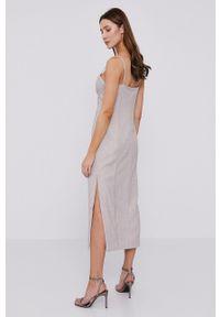 BARDOT - Bardot - Sukienka. Kolor: beżowy. Długość rękawa: na ramiączkach. Typ sukienki: dopasowane