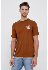 Scotch & Soda - T-shirt bawełniany. Okazja: na co dzień. Kolor: brązowy. Materiał: bawełna. Wzór: nadruk. Styl: casual