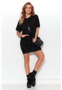 Czarna sukienka dresowa Makadamia z kapturem