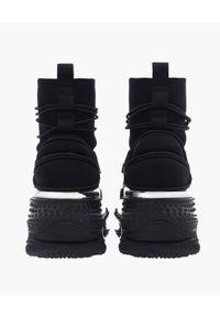 Balmain - BALMAIN - Czarne sneakersy B-Bold Runner. Wysokość cholewki: za kostkę. Kolor: czarny. Szerokość cholewki: normalna