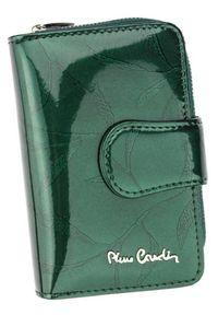 Portfel damski Pierre Cardin 02 LEAF 115 ZIELONY. Kolor: zielony. Materiał: skóra. Wzór: aplikacja