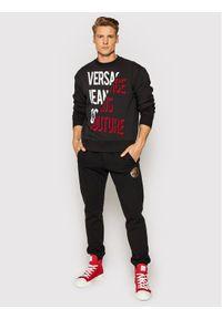 Versace Jeans Couture Bluza 71GAIF04 Czarny Regular Fit. Kolor: czarny
