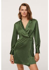 mango - Mango - Sukienka Sabrina. Kolor: zielony. Materiał: włókno. Długość rękawa: długi rękaw. Typ sukienki: rozkloszowane