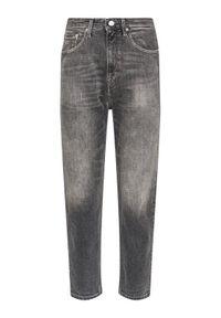 Szare boyfriendy Tommy Jeans