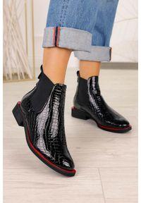 Casu - Czarne botki sztyblety lakierowane krokodyli wzór polska skóra casu 4041. Kolor: czarny. Materiał: skóra, lakier