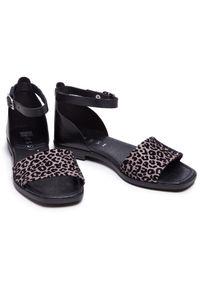 Nessi - Sandały NESSI - 21065 Czarny/Beż. Okazja: na co dzień. Kolor: czarny. Materiał: skóra, materiał. Sezon: lato. Styl: casual