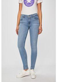Niebieskie jeansy Levi's® biznesowe, na spotkanie biznesowe, z aplikacjami
