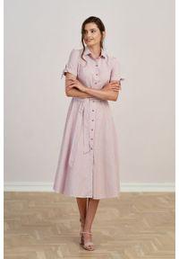 Marie Zélie - Sukienka Ariana oxford biało-różowy prążek. Kolor: biały, różowy, wielokolorowy. Długość rękawa: krótki rękaw. Wzór: prążki. Typ sukienki: szmizjerki, trapezowe