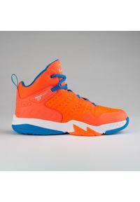 TARMAK - Buty do koszykówki dla dzieci Tarmak SS500H. Wysokość cholewki: przed kolano. Kolor: pomarańczowy, niebieski, czerwony, wielokolorowy. Materiał: skóra, kauczuk, syntetyk. Szerokość cholewki: normalna. Sport: koszykówka
