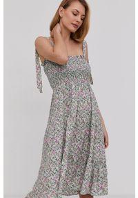 Answear Lab - Sukienka. Kolor: turkusowy. Materiał: tkanina. Długość rękawa: na ramiączkach. Styl: wakacyjny