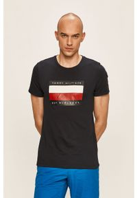 Niebieski t-shirt TOMMY HILFIGER casualowy, z okrągłym kołnierzem, na co dzień, z nadrukiem