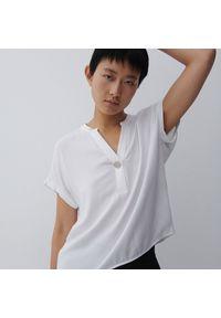 Reserved - Bluzka z wiskozy - Biały. Kolor: biały. Materiał: wiskoza