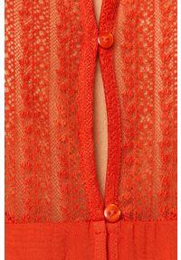Czerwony kombinezon Jacqueline de Yong casualowy, na co dzień