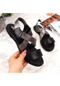 Czarne sandały Jezzi