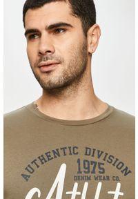 Oliwkowa koszulka z długim rękawem PRODUKT by Jack & Jones z nadrukiem