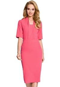 MOE - Elegancka ołówkowa sukienka z efektownym dekoltem. Typ kołnierza: kołnierzyk stójkowy. Materiał: elastan, materiał. Typ sukienki: ołówkowe. Styl: elegancki. Długość: midi