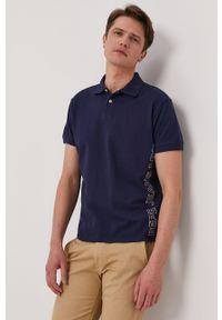 Pepe Jeans - Polo Benson. Typ kołnierza: polo. Kolor: niebieski. Długość: krótkie. Wzór: nadruk